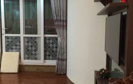 Cho thuê gấp căn hộ 170 Đê La Thành 3 PN, đủ đồ 14tr/tháng vào ngay, LH: 0989.848.332