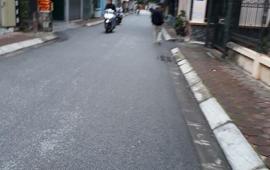 Đất kinh doanh mặt đường nhựa 5m tại Long Biên Giá chỉ 1,8 tỷ. LH: 0971479014.