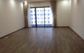 Chính chủ cho thuê căn hộ 174m2, 4 phòng ngủ, 15 triệu/th, đồ cơ bản tại Goldmark City. 0902226082