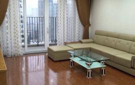 Cho thuê CHCC Sky City Tower. DT: 145m2, 3PN, full nội thất đẹp, giá rẻ. LH: 01629196993