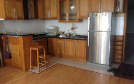 Cho thuê căn hộ chung cư số 6 Đội Nhân, DT: 70m2, 2 phòng ngủ, full đồ, 9 tr/th