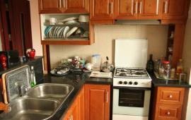 Cho thuê căn hộ chung cư số 6 Đội Nhân, S: 70m2, 2 phòng ngủ đủ đồ 9 tr/th, LH: 0915 651 569z