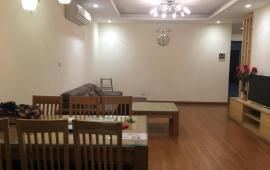 Tôi đang cần cho thuê căn hộ tại tòa 15-17 Ngọc Khánh, S: 160m2, 3PN, full đồ đẹp, giá: 16tr/tháng
