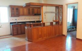 Cho thuê CHCC Mễ Trì Hạ 118m2, 3 phòng ngủ, 2 vệ sinh, đồ cơ bản, sàn gỗ 10tr/tháng vào ngay