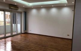 Cho thuê chung cư N105 Nguyễn Phong Sắc, 94m2, 2 PN, 1 khách, 1 phòng làm việc, đồ cơ bản, 8 tr/th