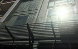 Cho thuê nhà mặt phố Linh Lang 5 tầng - 7 phòng ngủ - đủ đồ