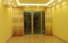 Cho thuê chung cư N04 Hoàng Đạo Thúy căn góc tầng 15, 134m2, 3PN đều sáng 15 tr/th. LH 0932252393