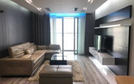 Cho thuê chung cư cao cấp 15-17 Ngọc Khánh, 150m2, 3 ngủ, đủ đồ, view hồ rất đẹp