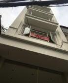 Cho thuê nhà đẹp view hồ mặt phố Trấn Vũ DT:75m2x5 thông sàn giá 65tr/tháng
