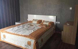 Cho thuê gấp căn hộ chung cư 90 Trần Thái Tông, DT 120m2, 3 phòng ngủ, đủ đồ cơ bản, chỉ 15 tr/th