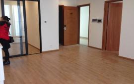 Cho thuê CHCC Royal City, dt 80m, 2 phòng ngủ, đã có nội thất cơ bản CĐT, giá 14tr/th Lh 0936178336