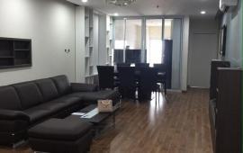 Cho thuê gấp căn hộ Central Field, 2 PN, đủ đồ, tầng trung view quảng trường cực đẹp, giá rẻ