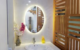 Cho thuê căn hộ Capital - 102 Trường Chinh, full nội thất, DT 131m2, 3 PN, 3 VS