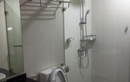 Giá rẻ cho thuê căn hộ chung cư 102 Thái Thịnh, 70m2, 2 phòng ngủ, đồ cơ bản, 8,5 tr/th