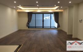 Cho thuê căn hộ Hapulico 3 phòng ngủ đồ cơ bản 142m2 giá 15tr/tháng