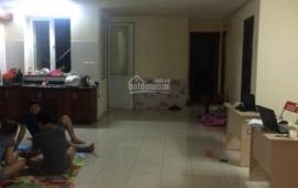 Cho thuê chung cư 16B Nguyễn Thái Học, 3 phòng ngủ, 5.5 triệu/tháng, LH 0975792060