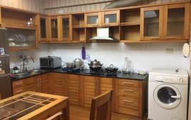 Giá tốt cho thuê chung cư 125 Hoàng Ngân, 70m2, 2 phòng ngủ, nội thất cơ bản giá 10 tr/th