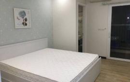 Cần cho thuê gấp căn hộ chung cư Oriental 174 Lạc Long Quân 68m2 view hồ Tây- 15 triệu/tháng full nội thất. 0942487075