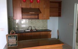 0942487075 Cho thuê căn hộ 2 phòng ngủ, có đồ cơ bản, 85m2 KĐT Dịch Vọng, 8 triệu/tháng