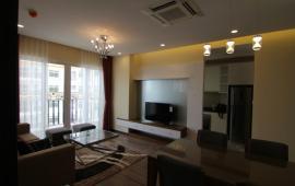 Cho thuê căn hộ 71 Nguyễn Chí Thanh, DT 98m2, 2 phòng ngủ, đủ đồ, 13 tr/tháng. LH: 0914.142.792