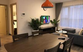 Cho thuê căn hộ chung cư 101 Láng Hạ, DT 146m2, giá 12 triệu/th. LH: 0979.375.424