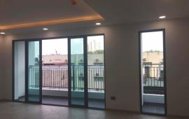 Cho thuê căn hộ chung cư One 18 Ngọc Lâm view hồ thoáng mát - Không gian trong lành