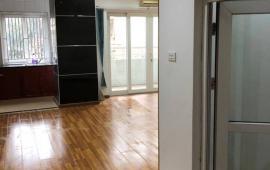 Hà Thành Plaza 102 Thái Thịnh, cần cho thuê căn hộ chung cư 2PN, vào ở ngay