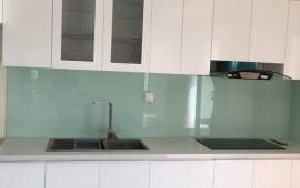 Cho thuê chung cư Imperia Garden căn góc tầng 16, 110m2, 3PN, sàn gỗ, bếp từ, tủ bếp