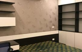 Cần cho thuê căn hộ chung cư 60B Nguyễn Huy Tưởng 2P ngủ đầy đủ nội thất vào ở ngay, giá 10.5 tr/th
