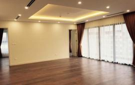 Cho thuê chung cư N05 Trần Duy Hưng, 155m2, 3 PN, đồ cơ bản, căn góc 14 triệu/tháng