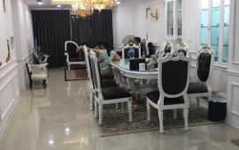 Chính chủ cho thuê gấp căn hộ tại 15-17 Ngọc Khánh 150m2,3 ngủ full đồ 16 tr LH:Hà 0982100832