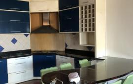 27 Huỳnh Thúc Khán, cần cho thuê căn hộ chung cư 3PN, đầy đủ đồ, vào ở ngay. Giá: 13tr/th