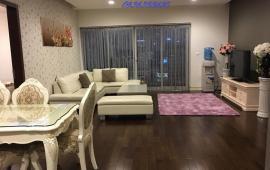 Cho thuê căn hộ chung cư Royal City R1, 181m2, đủ đồ, ban công Đông Nam, căn góc 3 phòng ngủ sáng
