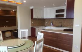 Chính chủ cho thuê căn hộ chung cư D2 Giảng Võ 120m2, 3PN, gần đủ đồ, giá 16 tr/th.