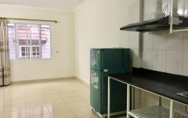 Chung cư mini 1 phòng khách 1 phòng ngủ sáng sạch, điều hòa nóng lạnh tủ lạnh gần Sheraton - 0904748688