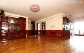 Chính chủ cho thuê căn hộ tại ngõ 12 Đào Tấn, cạnh Lotte 70m2, 2 PN đủ đồ giá 8 triệu/tháng.