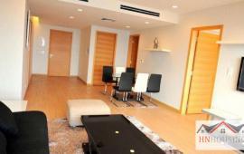Cho thuê CH Golden Land, tầng 18, 2 phòng ngủ thoáng, 110m2, nội thất đẹp 12tr/tháng Lh 0918 441 990