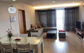 Cho thuê căn hộ cao cấp tại chung cư 15&17 Ngọc Khánh, Ba Đình 140m2, 3PN view hồ giá 15 tr/th