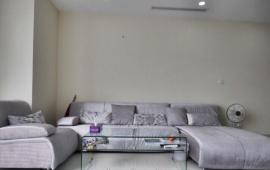 Cho thuê căn hộ chung cư Royal City, tòa R3, DT 106m2 2 phòng ngủ đủ đồ, giá 18.9 tr/th