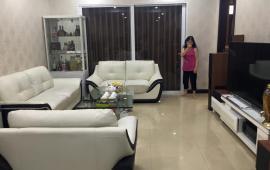 Mình cho thuê căn hộ chung cư Royal City Nguyễn Trãi, 2 phòng ngủ, đủ đồ 18 tr/th, LH 0988138345