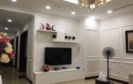 Cho thuê căn hộ chung cư Royal City, 3 phòng ngủ, nội thất hoàng gia, giá 25 tr/th
