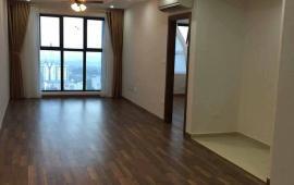 Cho thuê CHCC Royal City, R2 181m2, 3PN sáng, nội thất cơ bản, căn góc, giá 18 tr/th