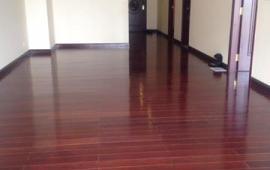 Cho thuê căn hộ R2 Royal City tầng 21, 2 phòng ngủ hướng Nam, sàn gỗ, 14 triệu/tháng
