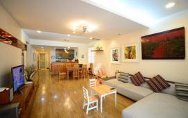 Chính chủ cho thuê gấp căn hộ B4 Kim Liên, 120m2, 3 phòng ngủ, full nội thất, 14 tr/th, vào ở ngay