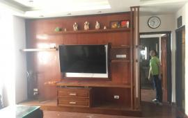 Cho thuê căn hộ chung cư 28 tầng Làng Quốc Tế Thăng Long 98m2, 2PN, full, 13.5 tr/th, LH: 090451312