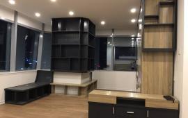 Cho thuê chung cư Mandarin Garden 3 PN, đồ cơ bản, 172m2, view bể bơi