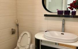 Cho thuê căn hộ chung cư D5C Trần Thái Tông 130m2, 2-3PN, full nội thất, giá thuê 12 tr/th