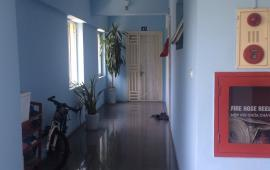 Cho thuê chung cư 1070 Đê La Thành 65m2, 2pn, full, 8.5tr. Liên hệ: 0943419533