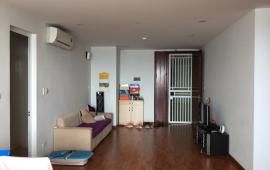 Cho thuê chung cư CT6 Yên Hòa cạnh Viện Huyết Học, 2 phòng ngủ gần đủ đồ. Giá: 8.5 tr/th
