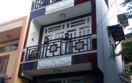 Gấp! Cho thuê nhà 3 tầng ở Kiêu Kỵ Gia Lâm. Cần cho thuê ngay!